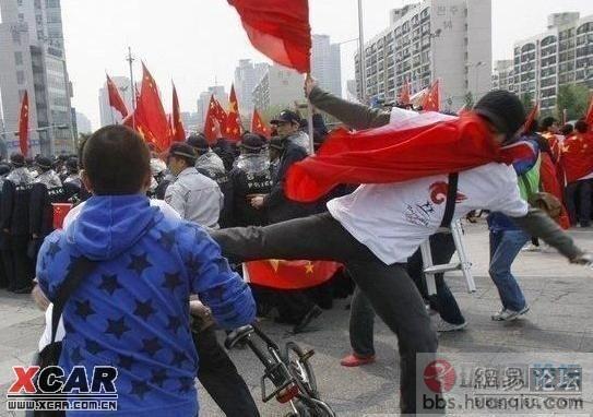 http://www.huanqiu.com/attachment/081028/64025454f9.jpg_周杰伦接受问题轰炸希望星爷看《大灌篮》