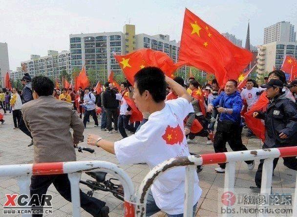 http://www.huanqiu.com/attachment/081028/64025454f9.jpg_印度七旬翁考试40载誓言不成功终身不娶图