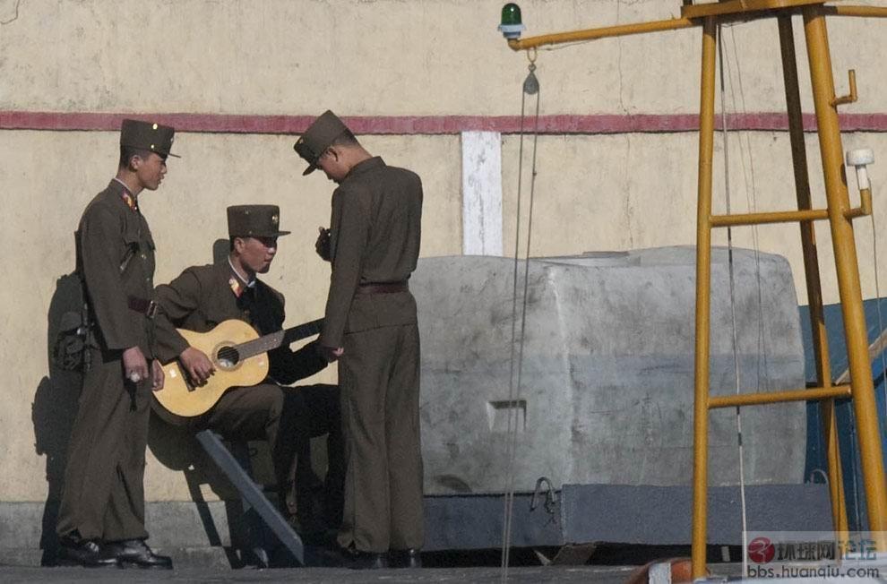 在边境近距离最新实拍:绝对真实的朝鲜人民军(组图)