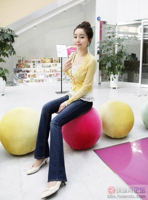 韩国长腿牛仔裤妹红遍网络 我爱图片