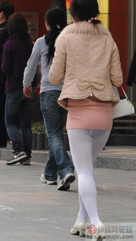 穿三角裤女生逛街的上海死人雷眼皮(图)上厚的丝袜姑娘图片