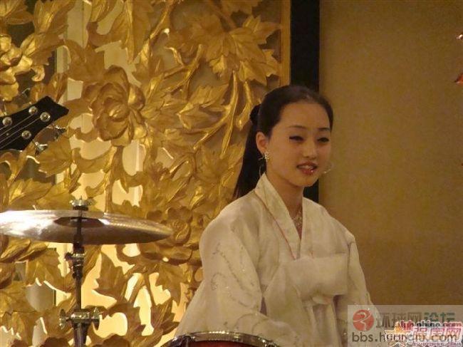 中国人游朝鲜很感慨:原来朝鲜美女靓得冒泡!