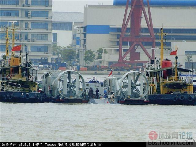 偷拍我军最新的几型特种舰艇