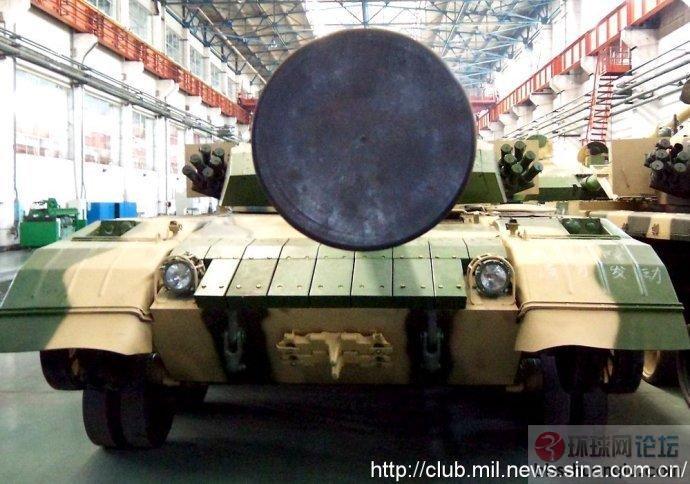解放军新型的坦克工厂挺现代化
