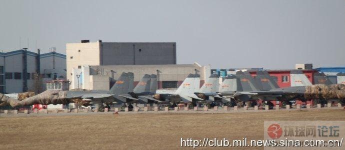 凶猛:沈飞一大堆等待交付海空军的J11 系列战机