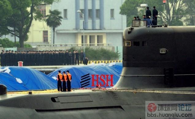 """列队欢迎:中国海军最先进的""""胖头鱼""""常规潜艇来了"""
