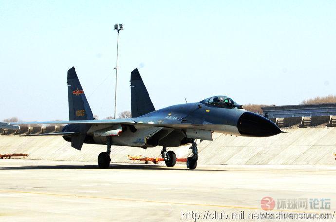 空军J11B战机越来越多