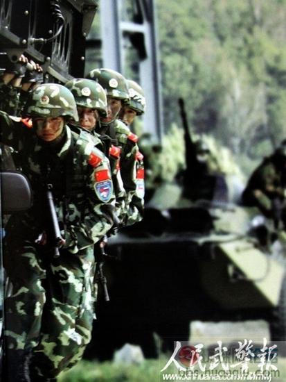 武警最精锐特种部队 雪豹 进驻新疆反恐图片
