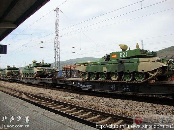 形式紧张:解放军最新99坦克频繁调动西南边境