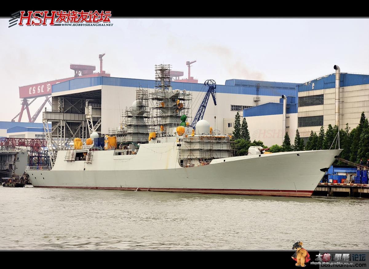 黄浦江边:快造好的各种新舰艇扎堆!