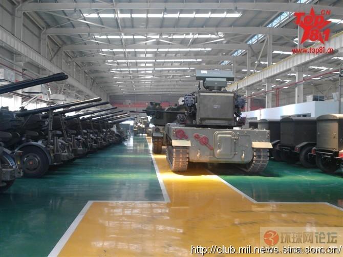 解放军最新自行高炮炮塔和组装车间猛图!