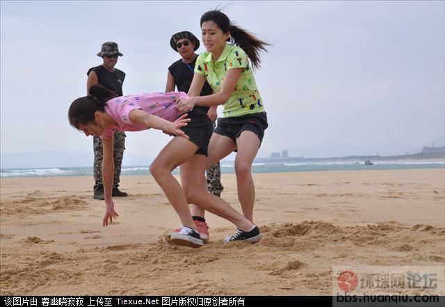 中国美女保镖训练 模拟审问受捆绑煎熬