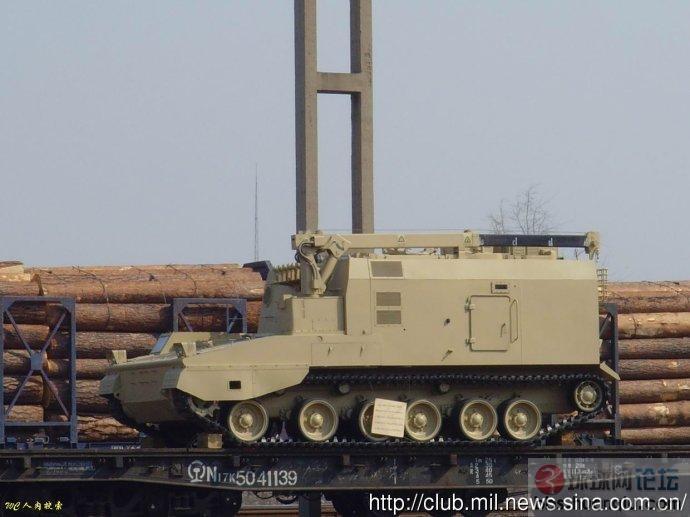 大批涂装很少见的中国PLZ45 自行火炮发往哪里?