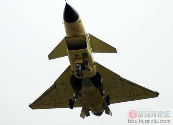 惊爆眼球:成飞战机总动员,所有机型排队上天!