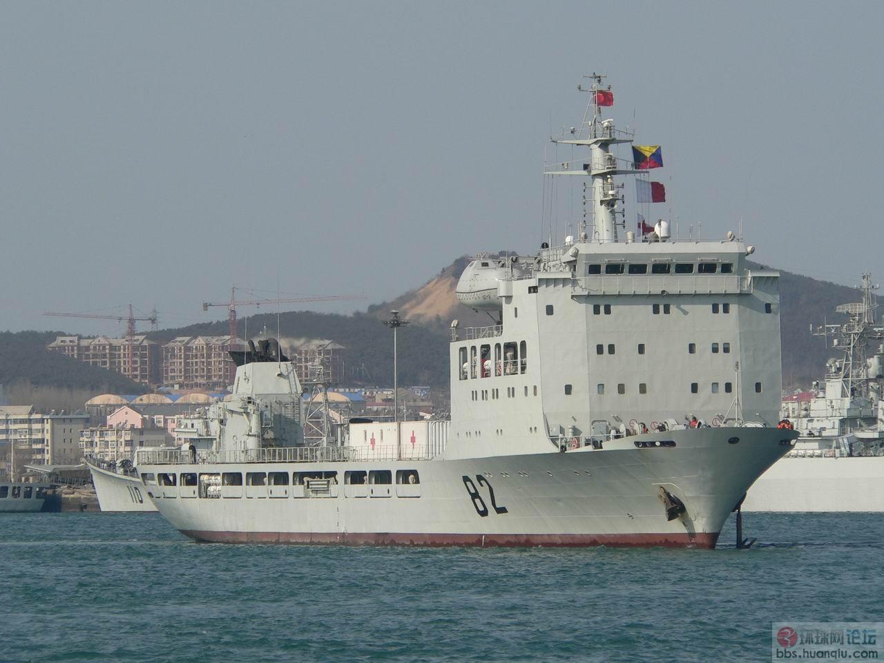 实拍中国海军82国防动员舰出航