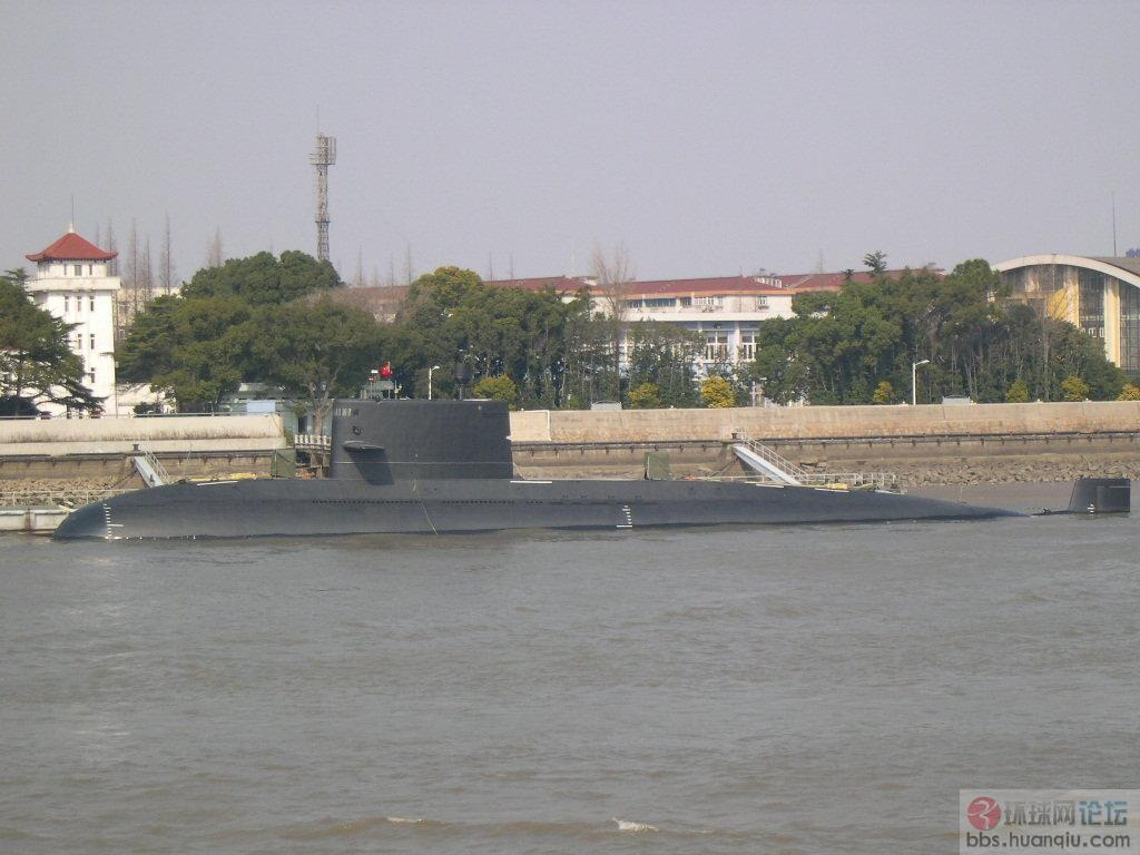 水润光滑:中国海军新型潜艇的做工很不错
