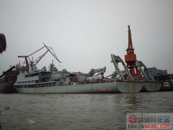 中国海军终于批量建造大型补给舰了!
