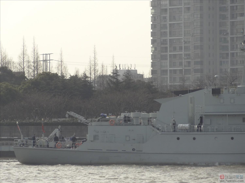 吴淞口扫江:解放军的各种新老舰艇扎堆!