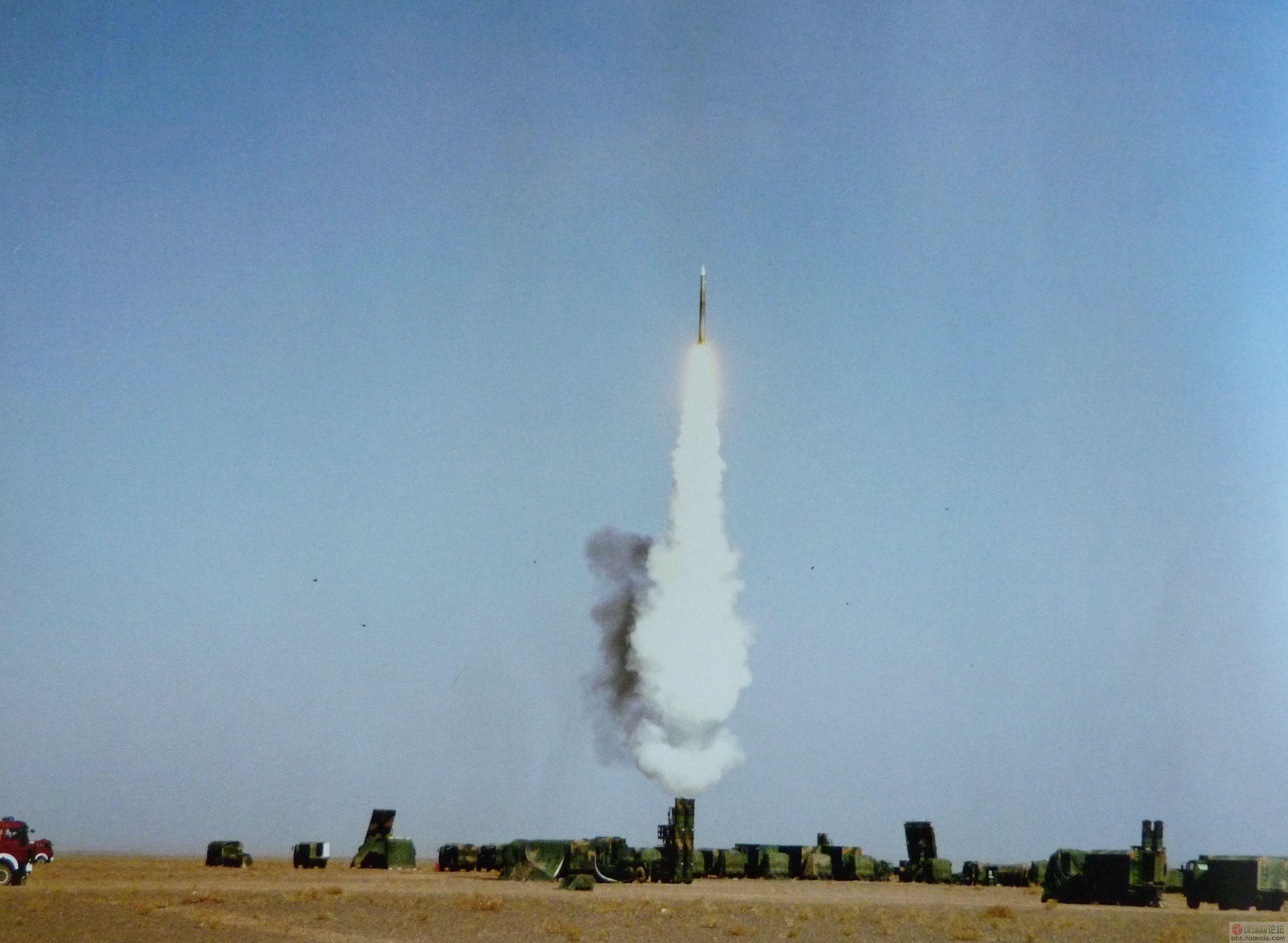 解放军红旗九导弹发射