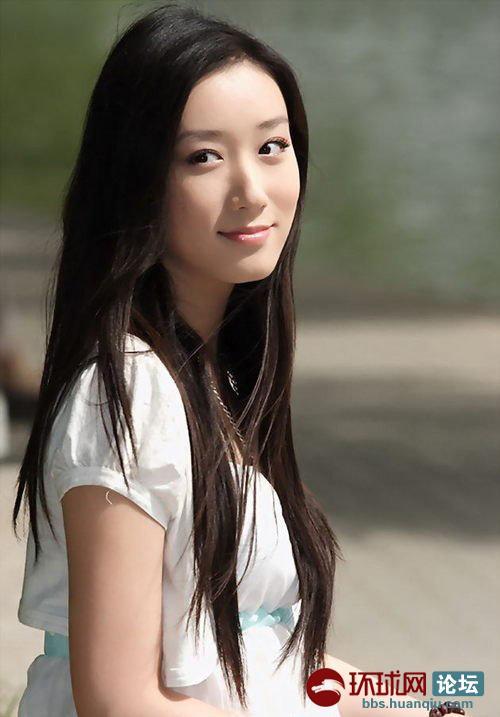 水灵清纯的美女大学生