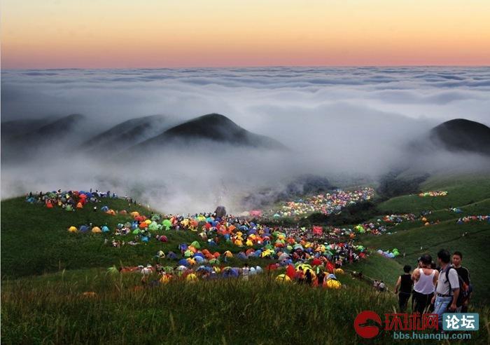 时间9月12-15号,地点江西萍乡市武功山风景区;背景我只能说近1万人的