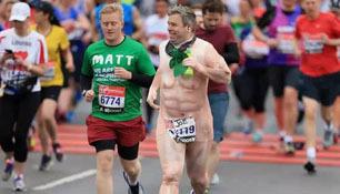就一场伦敦马拉松...你们要不要这么拼