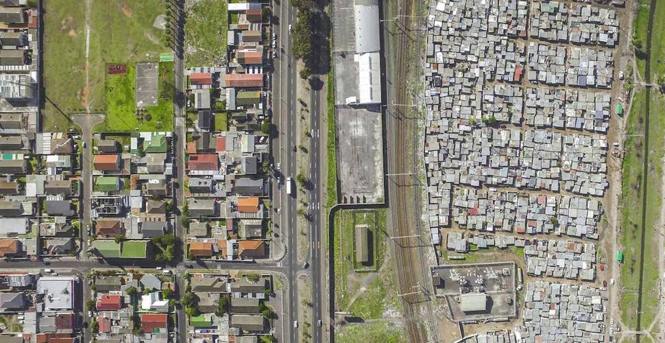 视角|俯瞰开普敦城中贫与富的界限