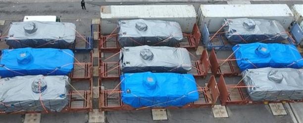 香港海关扣押新加坡装甲车