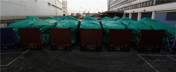 中国扣新加坡装甲车警告意味浓