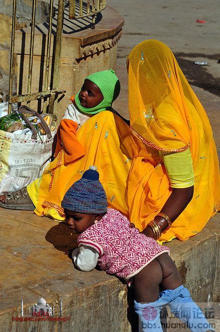 印度露天厕所无处不在
