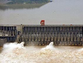 三峡水库将迎来建成后的最大洪峰