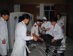 53名伤者正在医院进行救治