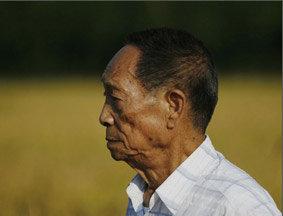 袁隆平:解决粮食短缺唯一途径是科技进步