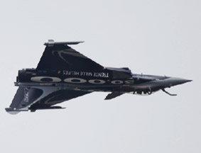 巴黎航展:法国阵风战机空中精彩炫技