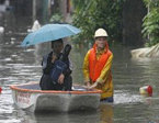 台风造成暴雨袭城
