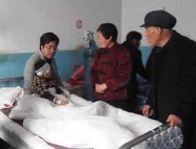 事故伤者在正宁县医院接受治疗