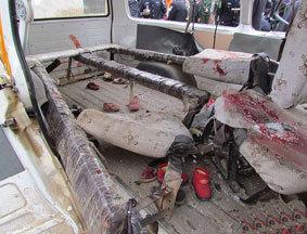 车祸现场:被撞校车内部