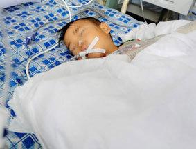 医院全力救治甘肃正宁受伤幼儿