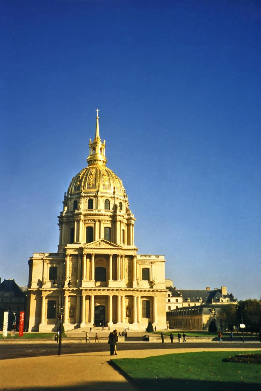欧式圆顶建筑图