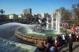 莫斯科广场上的喷泉