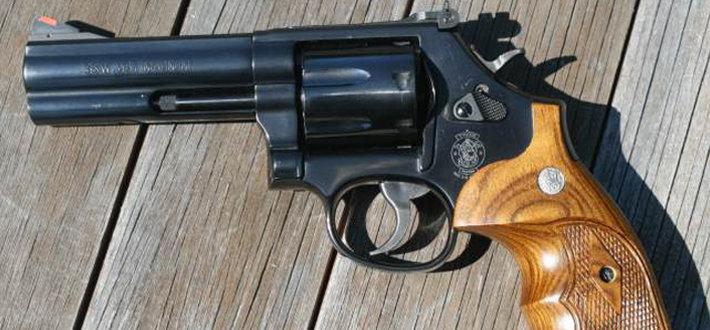 史密斯-韦森586/686转轮手枪图片
