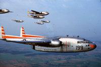 """C-82""""邮船""""和C-119/R4Q""""飞行车厢"""""""