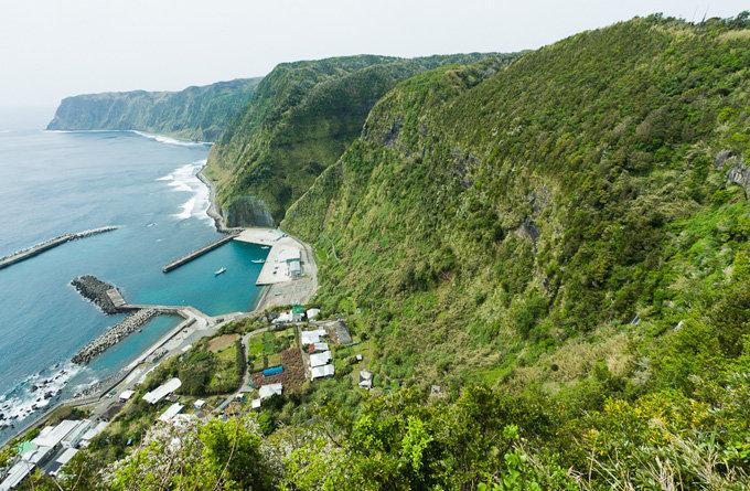 游览岛屿上的风景点