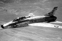 """F-100""""超佩刀"""""""