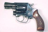 陶鲁斯76转轮手枪
