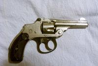 史密斯-韦森安全无击锤转轮手枪