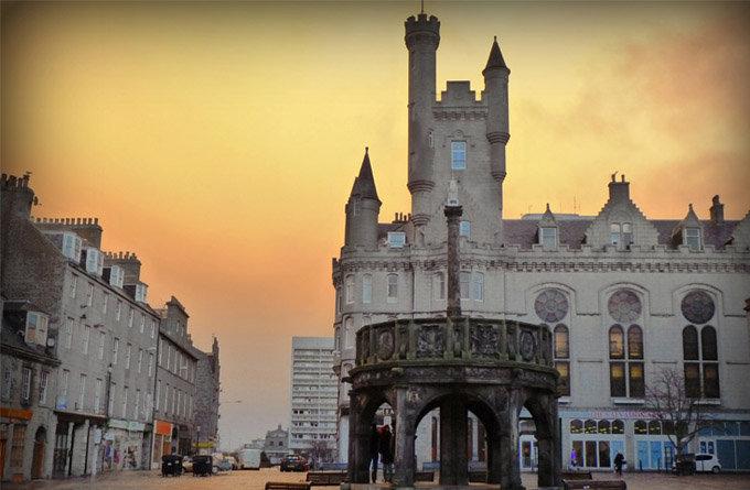 > 城堡门