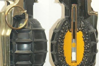 82-2式全塑无柄钢珠手榴弹