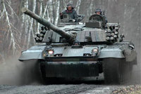 PT-91主战坦克