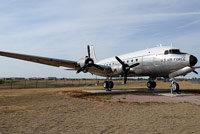 道格拉斯DC-4
